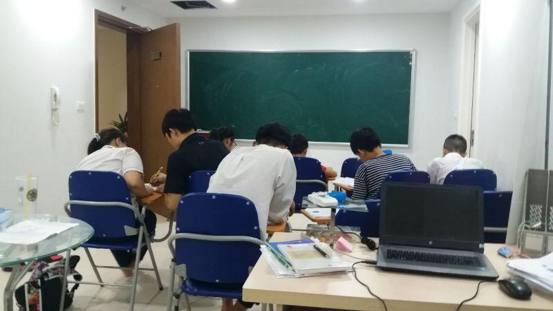 lớp học toán 9